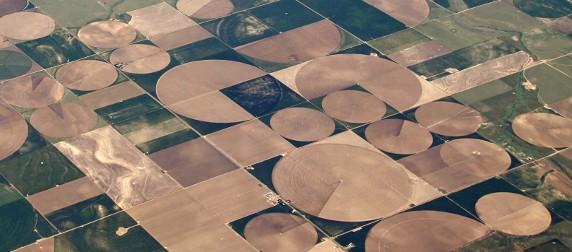 center-pivot irrigation patterns