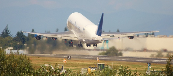 747 Dreamlifter taking off