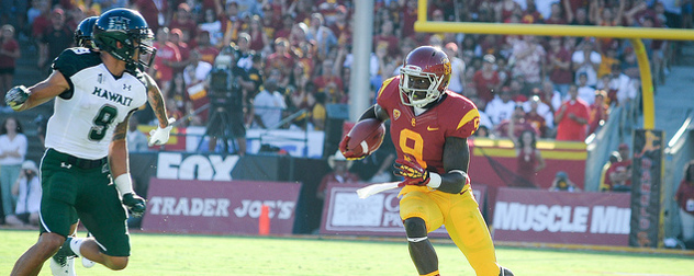 Marqise Lee in USC uniform playing football