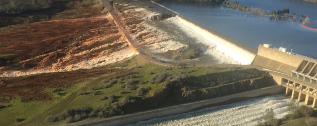 overflow onto the Oroville Dam's emergency spillway