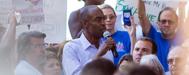 Robert Runcie speaking to Parkland demonstrators