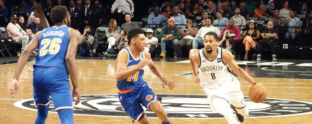 Spencer Dinwiddie in a Brooklyn Nets vs NY Knicks game.