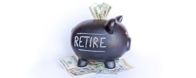 piggy bank with 'retire' written on it, suggesting the savings for a defined benefit retirement plan.