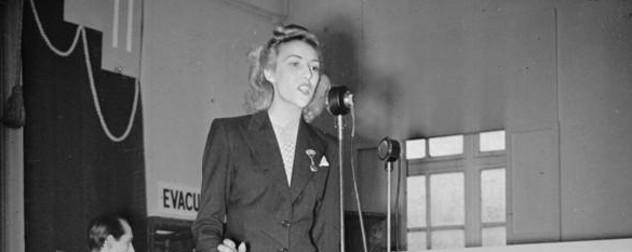 Vera Lynn singing a concert in 1941 at a U.K. munitions factory.