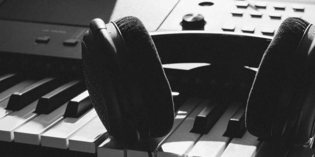 headphones on keyboard.